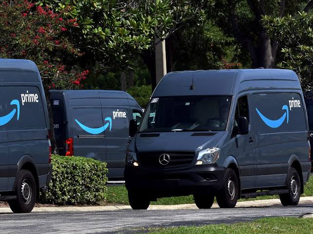 Amazon Logistics is growing in the US as it delivers half of its own packages now