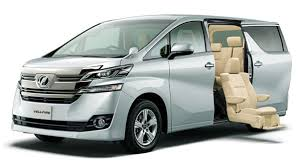 Toyota Vellfire launched Big brother of Innova Crysta 1